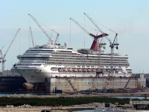 Carnival Conquest in dry dock photo: flickriver