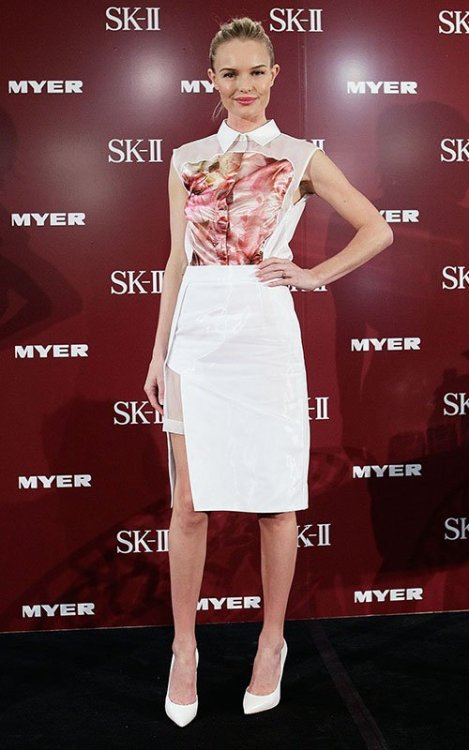 Kate Bosworth for SK-II; Sydney, Australia Kate Bosworth is in my top 5 best dressed celebrities. She always wears something amazing and to promote SK-II skincare in Australia she wore London brand Preen. I love this outfit, it's futuristic and modern. Kate looks so radiant.