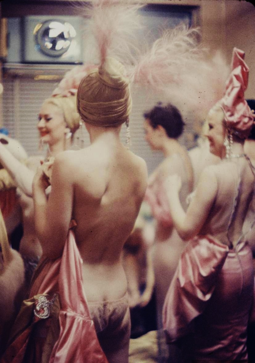 hollyhocksandtulips:  Backstage at the Latin Quarter, 1958 Photo by Gordon Parks
