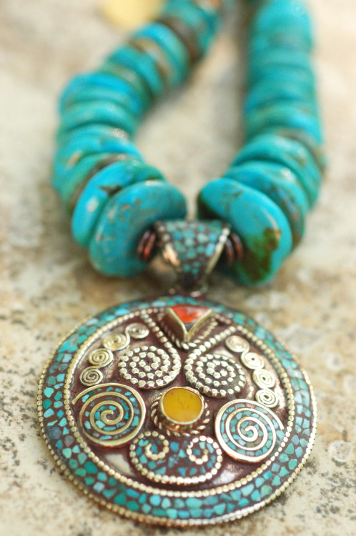 Kathmandu: Stunning Graduated Turquoise Disc and Exotic Nepalese Pendant Necklace