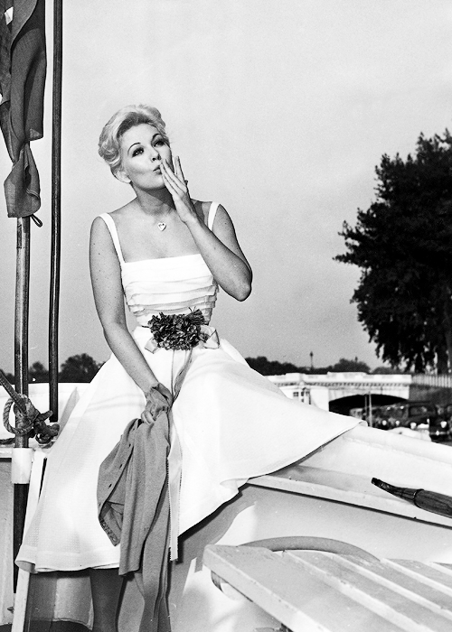 theidleclass:  Kim Novak, c. 1950s.