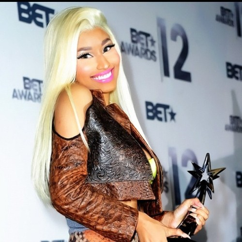 ill-takethe-bow:  D'aww nickiii #nickiminaj (Taken with Instagram)