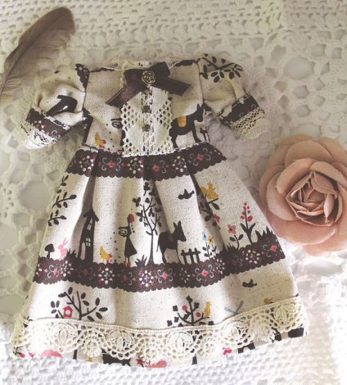 Autumn feelings dress by Holly Hatter on Flickr.
