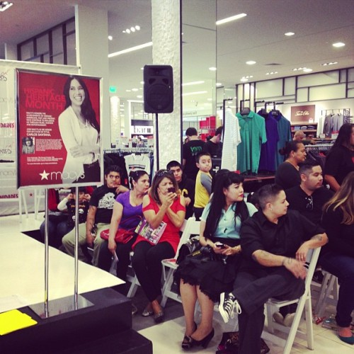 Full-house at todays #carlossantana event at @macys jn #santaana to celebrate #hispanicheritagemonth #hhm (Taken with Instagram)