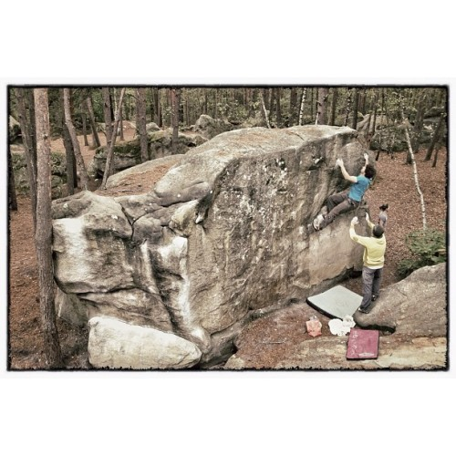 simonsticker:  Last day in the mighty forest. Short boulder session before the rain came back… #fontainebleau #bouldering  (Taken with Instagram)