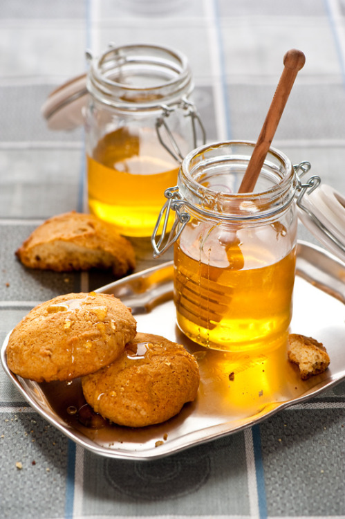 Honey cookies by The Little Squirrel