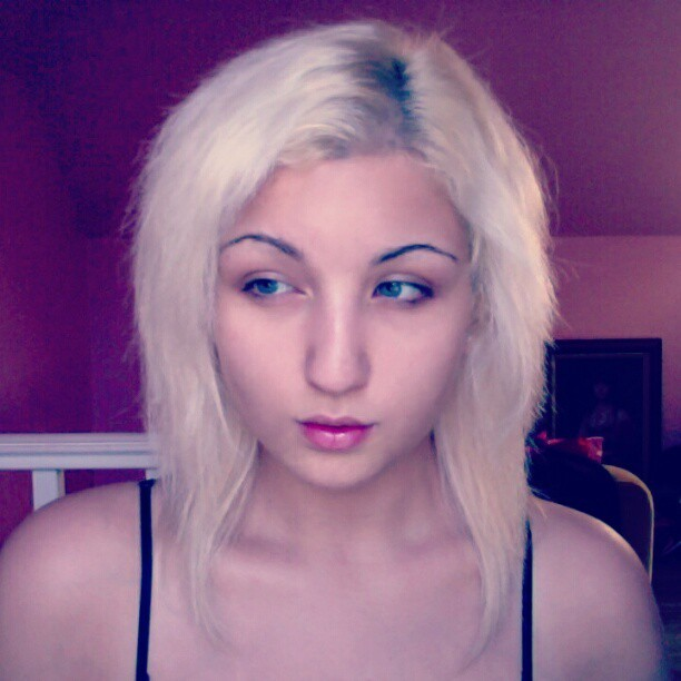 #me #no #makeup #sick #white #pastey #blonde #face #hair   no makeup :O wuttt  (Taken with Instagram)
