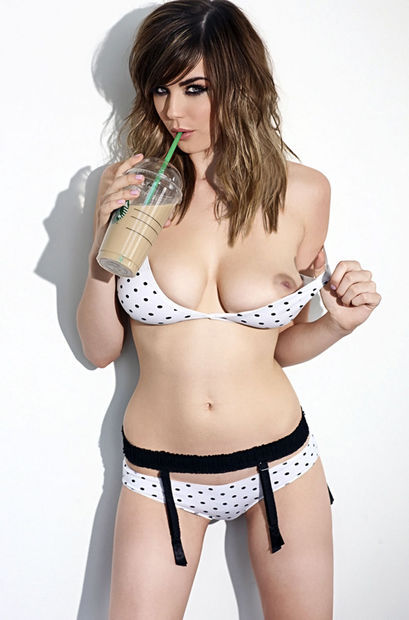 welcometoboobsville:  Danielle Sharp