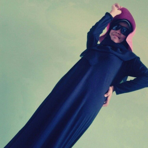 Hello World! #Hijab #Glasses #Beach #Muslimah (Taken with Instagram)