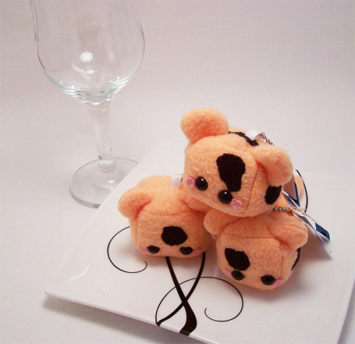 "Baby Cheetah Cheese Cube! ""Cheetah Cheese Cubes are tasty little treats. They're best friends with Bread and Cracker. Keep them away from wine as they like to indulge. And beware, they develop a bad odour after a certain age."" Now available in my online shop here!"