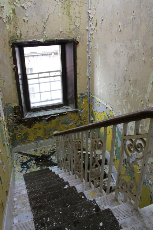 xabandoned:  (via Mid wales hospital,Talgarth, July '12 - Derelict Places)