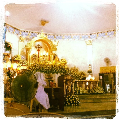 Happy fiesta Sta. Teresa de Avila! 🙏👏🎉🎊🎈 #Talisay #fiesta #feastday #saint #RomanCatholic #Sunday #HolyMass #advance #photooftheday #instagrammers #instadaily #igerscebu #igerspinoy #igersasia #cebuano #proudFilipino #altar #beautiful #flowers #JesusChrist #MotherMary #holyplace #sacredplace #light #octobershot #kateuzah  (Taken with Instagram)
