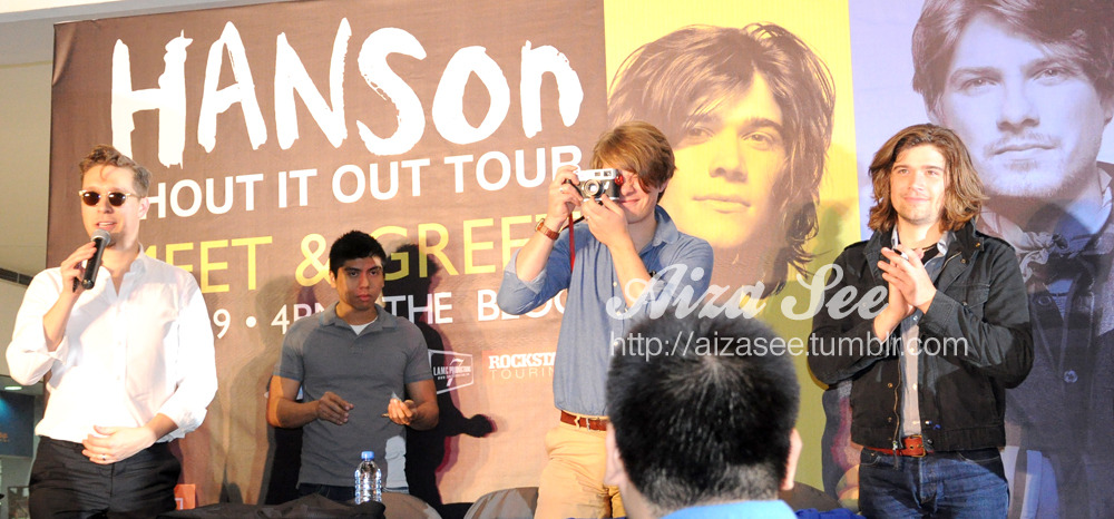 Part II March 29, 2012 at SM The Block, Philippines Meet & Greet / Shout it out Album & The Best of 5 of 5 signing Glad they were back after 7 years. I took the opportunity to take several shots while the people were busy falling in line for the CD signing. Got the chance to shake their hands and have a little hi-hellos. This was the day before their concert. More pics on my next post.