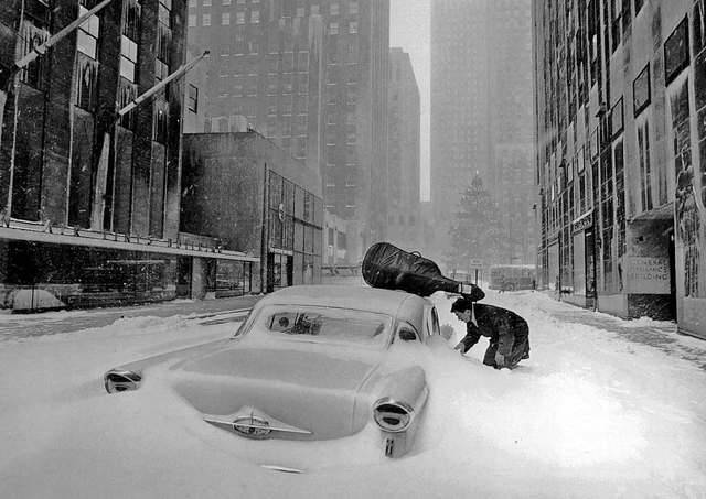 adanvc:  New York, 1960. by Robert Doisneau
