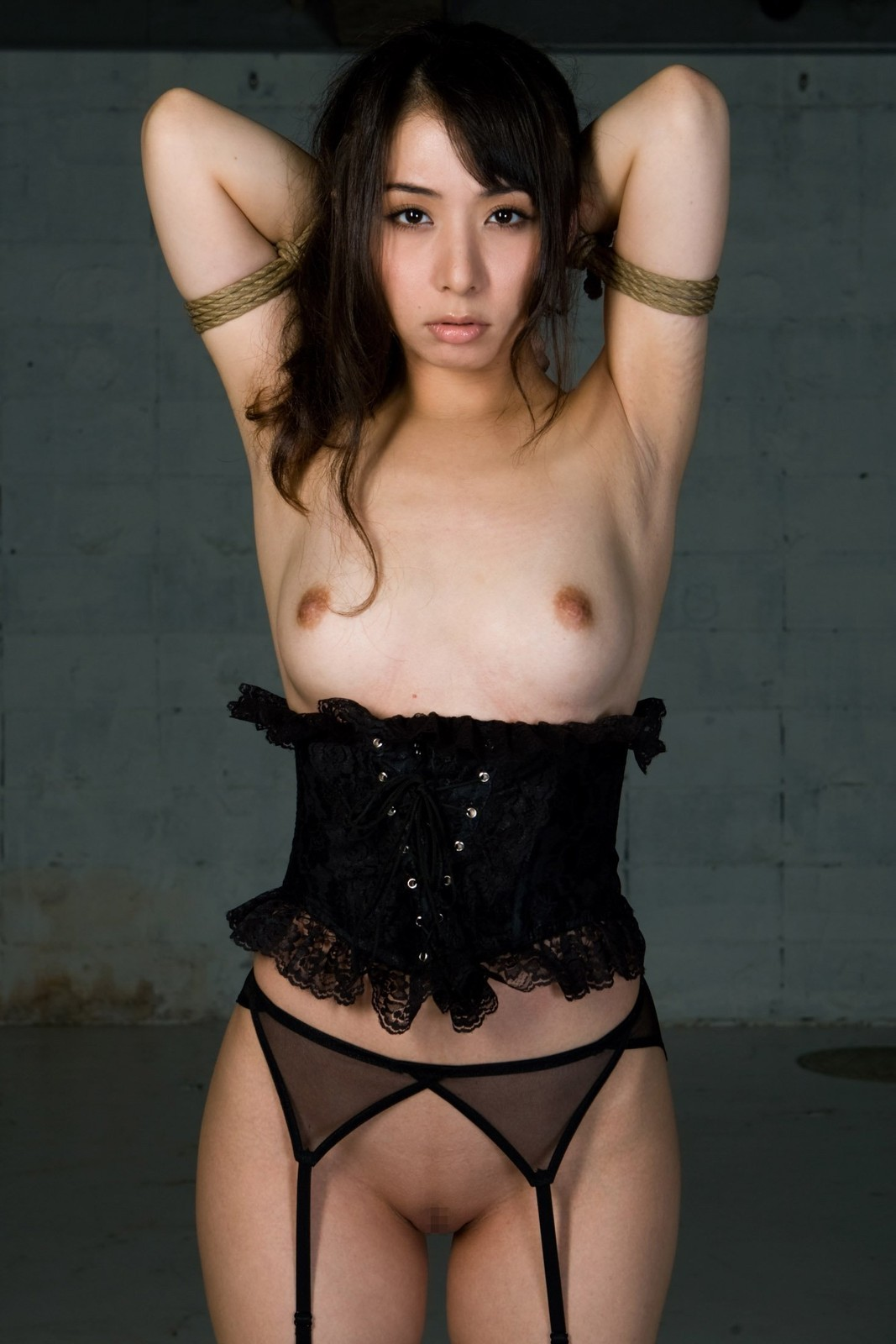 Asian model in corset and rope tied max07min:  cb15f3bd.jpg