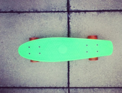 dont-need-no-drugs-to-calm-me:  #penny #skate #skateboard #green #orange #orange wheels #green skateboard #hipster #faded #fake penny #penny board