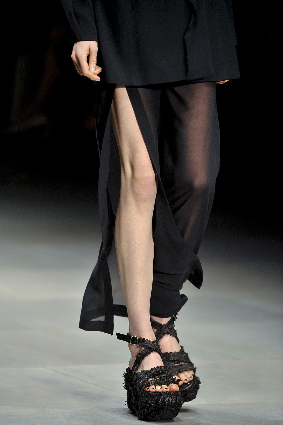icy-fashion:  JOHN ROCHA SPRING 2012
