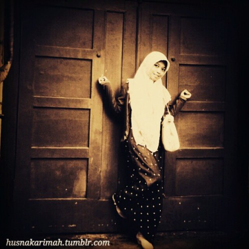 #Hijab #Muslimah #Tudung #Dark #Black #OldCity #Tumblr (Taken with Instagram)