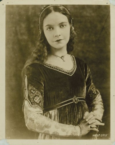 Happy Birthday to Lillian Gish (October 14, 1893 – February 27, 1993)