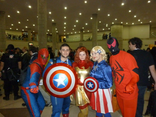 bargainbasementhowardhughes:  Spider-Man, Captain America, The Phoenix and Scarlet Spider  Hey! It's me! XDI'm fem!Cap and the fabulous Quinn is Dark Phoenix!
