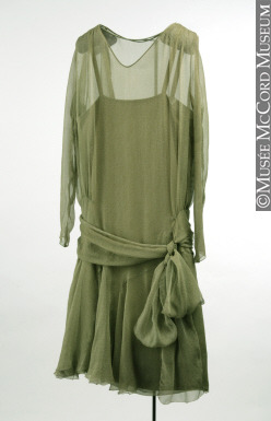 A women's dinner dress circa 1926 of chiffon. McCord Museum. Accession Number: M22291