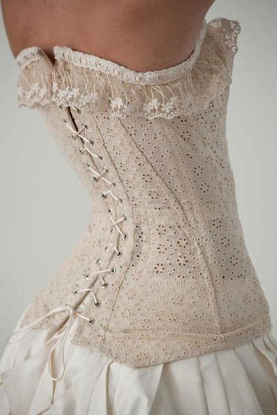 jeffreyandme:  I'm one of those strange beasts who really likes a corset ~ Cate Blanchett