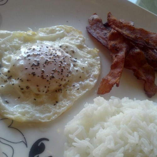 Just wanted some basic ass breakfast today.. :) #cheatday  (Taken with Instagram)