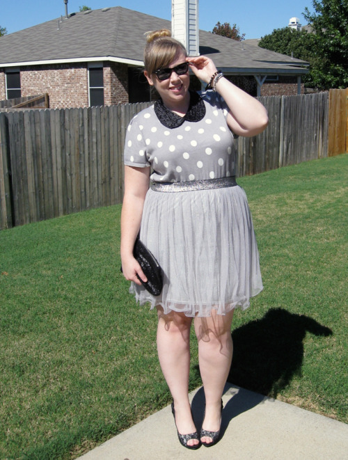 thefreckledspectacle:  DOUBLE VISION: SEQUIN COLLAR Get the skirt here!
