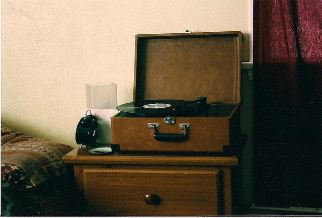 almostlikeadream:  Crosley by gladystardust on Flickr.