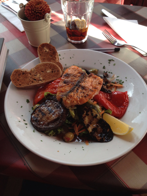 Salmon salad with grilled veg and walnut bread at Le Petit Auberge on Upper Street, Islington. For £6.95 I though it was a bargain, especially or the area. The service was a liiiitle ramshackle but it was a busy Sunday lunch and they were all super polite- just run off their feet.  Overall experience 7/10, I'll definitely be going back