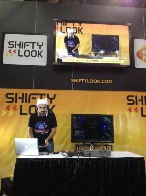 doing my thing at NYCC. s/o to ShiftyLook & I/O