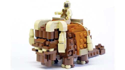 hereigocustomlego:  Bantha Lego by Ultron32 on Flickr.