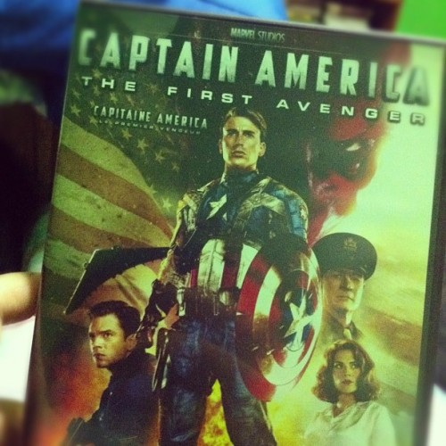 It's a Captain America kind of night ☺ #instamood #instaphoto #instashot #instamoment #instagood #iphoto #iphone4 #personal #instago  #instagramer #nerd #dork #geek #qualitytime #movie #captainamerica #movienight #avenger #superhero #marvel #comics (Taken with Instagram)