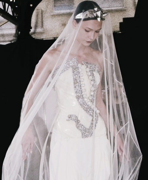 voguelovesme:  Karlie Kloss at Givenchy Haute Couture F/W 2009