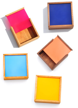 (via Nunabee Square Color Chip Box | LEIF)
