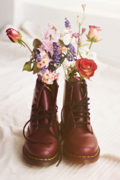 what-do-i-wear:  Boots: Doc Marten   (image: amyscheepers)