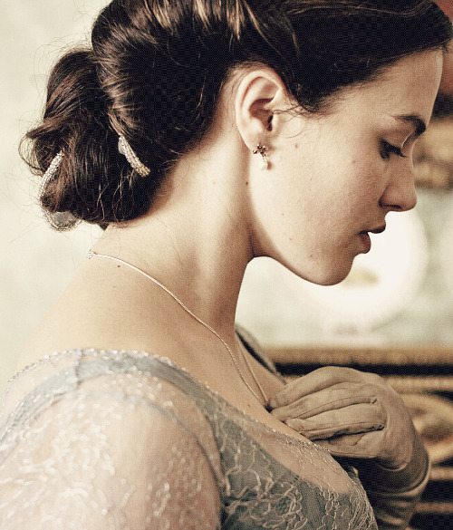 period ladies: jessica brown-findlay as sybil branson, née crawley