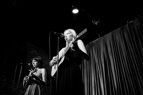 superseriousshow:  Garfunkel & Oates // The Super Serious Show, September 2012, RIOT LA *Photo by Rebecca Rotenberg