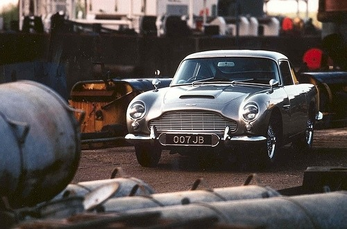 johnandmario:  James Bond's 1965 Aston Martin DB5 coupe