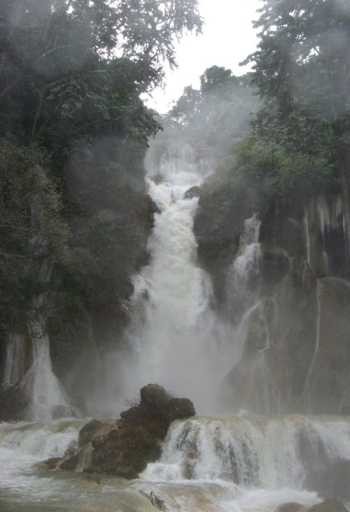c0caino:  Laos, waterfall