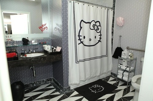 Hello Kitty Hotel Toilet Bathroom