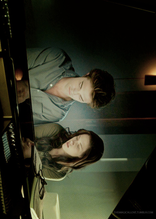 Edward & Bella in the piano | Twilight (2008)