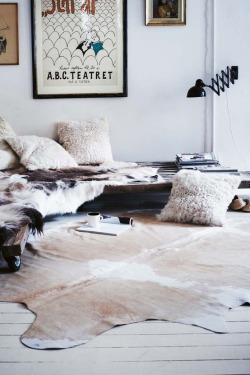 homepolish:  Wait. You don't have a reclaimed-wood daybed?