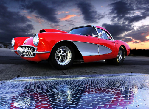 tumb-badger:  57 Corvette (par Elliot Deluxe)