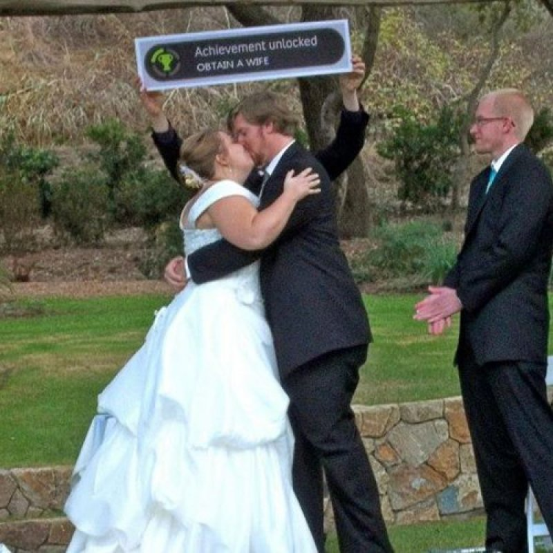 collegehumor:  Nerd Wedding Achievement Unlocked: referencing something your great aunt didn't understand.