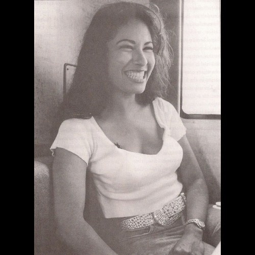 Inspiration Monday…. Selena 💚 #inspiration #monday #selena #selenaperez #legend #icon #gonetoosoon #beauty #muse #rip #applesauced #sauced #instagood #instalove (Taken with Instagram at www.shopapplesauced.com)