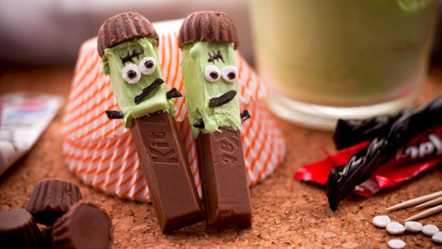 What are your favorite candy-filled and candy-inspired recipes for Halloween? Here are 12 of our faves, including these adorable Franken Kit Kats!!