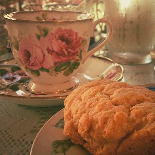 Seal Beach Tea Time this weekend had warm fresh lovely scones! (Taken with Instagram at McKenna's Tea Cottage)