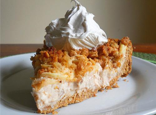 veganuniverse:  1st Bake-Off Winning Pie Recipe! Apple Crisp Cheesecake