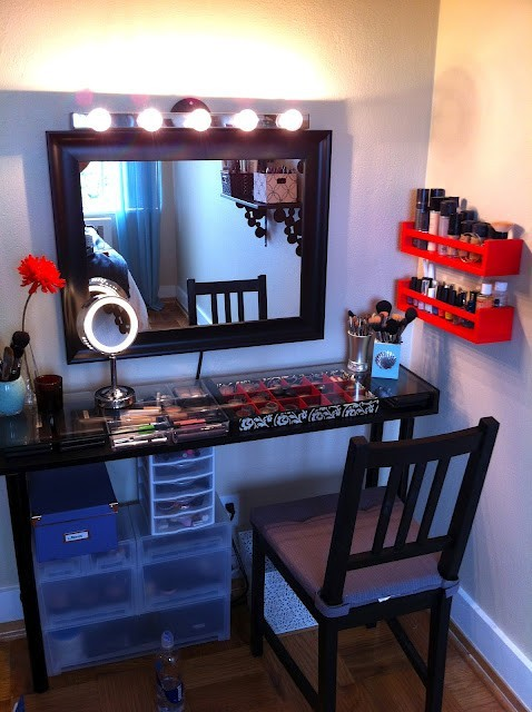beautyis-skindeeep:  DIY MAKE-UP VANITY! Every girl needs this ;) Click Through!